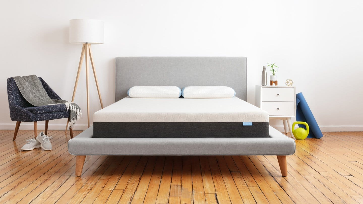 reputable site 63336 ff81a Best Mattress For Hip Pain - Reviews and Buyer's Guide