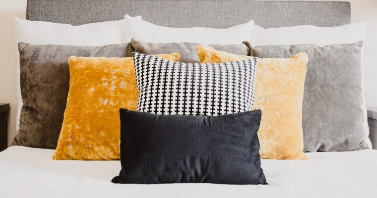 Down vs. Feather Pillow: Which is Best?