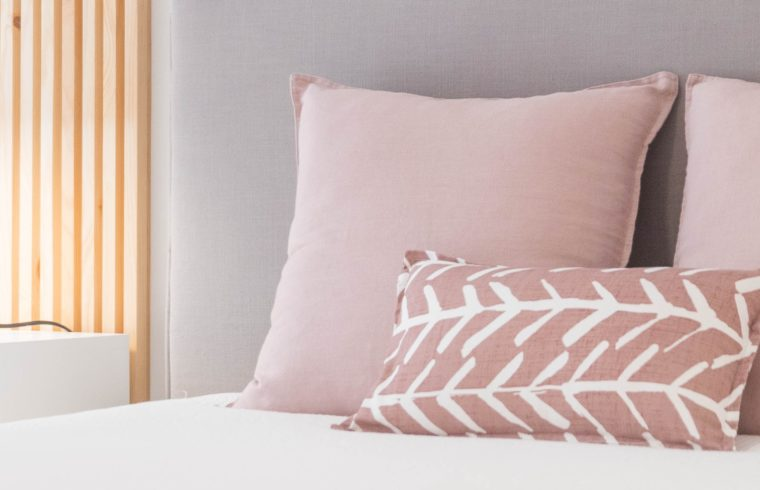 Which is Better, a Silk or Satin Pillowcase?